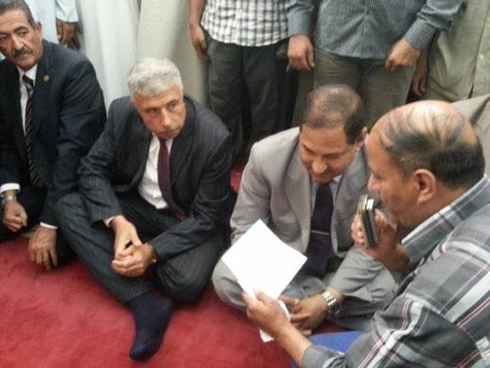 محافظ الغربية ومدير الأمن يفتتحان المسجد الشرقى بقرية ميت هاشم (1)