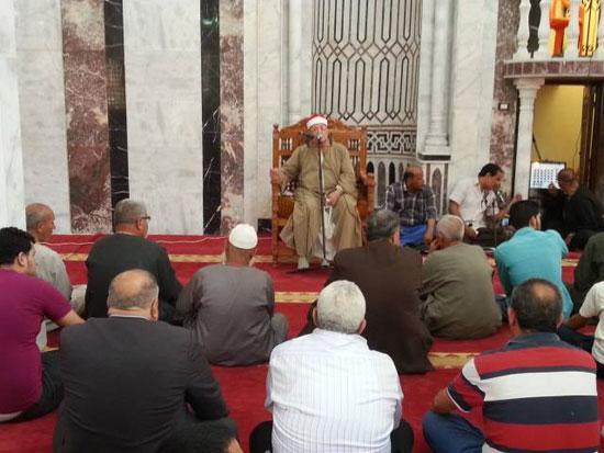 محافظ الغربية ومدير الأمن يفتتحان المسجد الشرقى بقرية ميت هاشم (2)