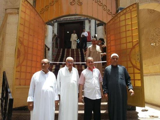 محافظ الغربية ومدير الأمن يفتتحان المسجد الشرقى بقرية ميت هاشم (3)