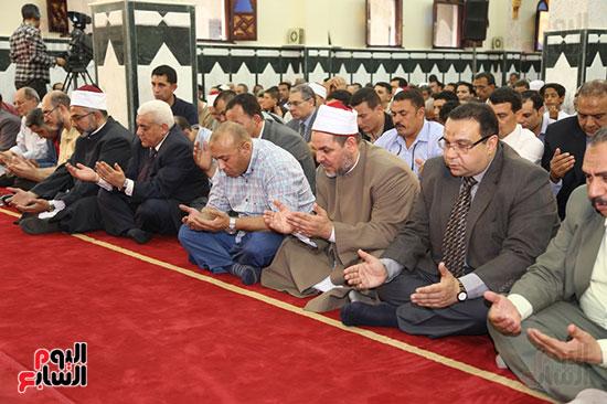 محافظ المنوفية يفتتح مسجد سيدى محمد بقرية زرقان (4)