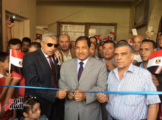 محافظ الغربية يفتتح ملعبًا لكرة القدم بمركز شباب ميت حبيب فى سمنود (3)