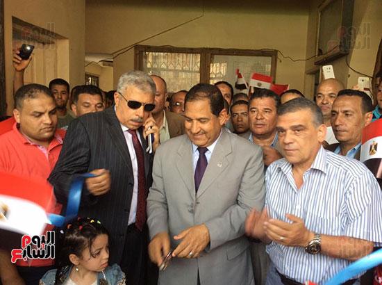 محافظ الغربية يفتتح ملعبًا لكرة القدم بمركز شباب ميت حبيب فى سمنود (4)