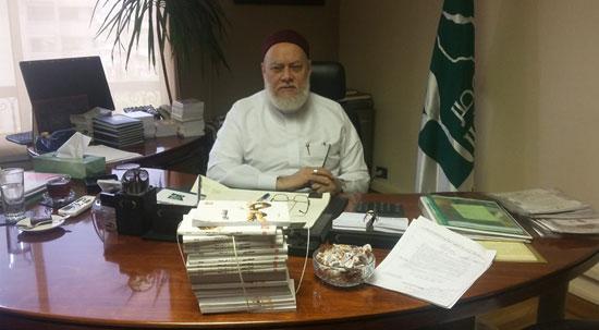 توقيع عقد كتاب تحت عنوان عقيدة أهل السنة والجماعة لاحمد جمعة (1)