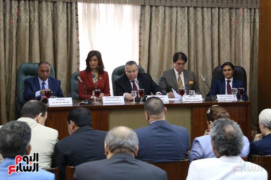 لجنة الشئون العربية (6)