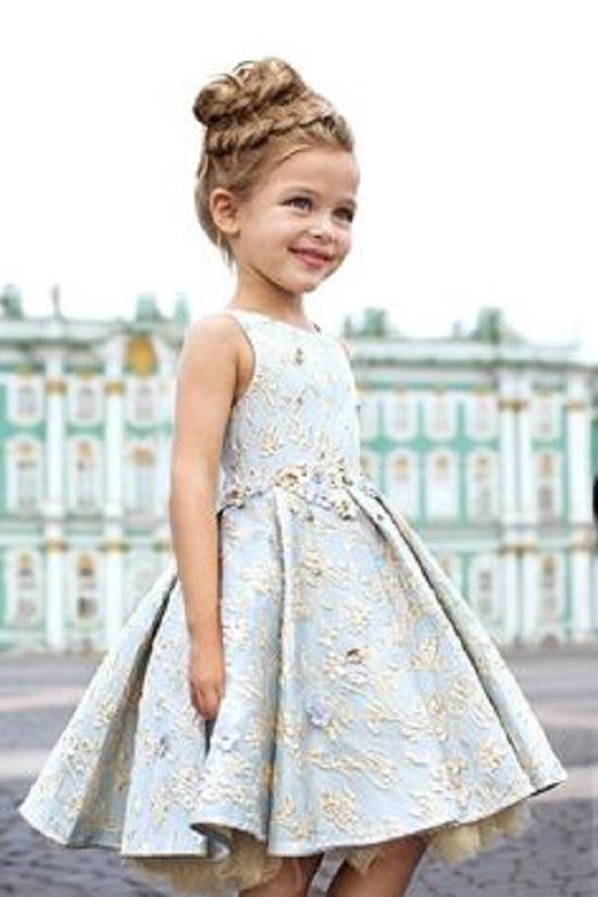 فستان اطفال ابيض منقوش