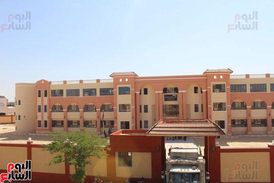 محافظ الأقصر محمد بدر (10)