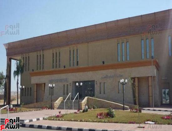 محافظ الأقصر محمد بدر (2)