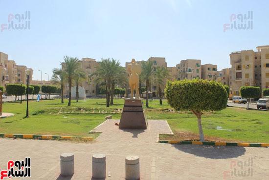 محافظ الأقصر محمد بدر (5)