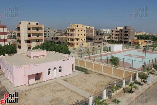 محافظ الأقصر محمد بدر (7)