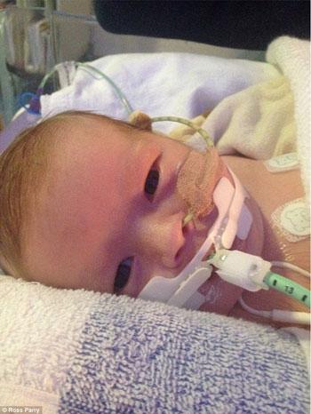 الطفل ميني مولود بتشوهات خلقية في القلب -اليوم السابع -7 -2015