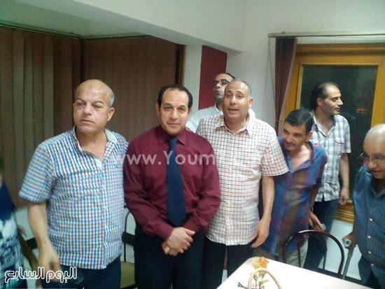 محمد هلال وهشام حنجل وعدد من العاملين بقناة الدلتا -اليوم السابع -7 -2015