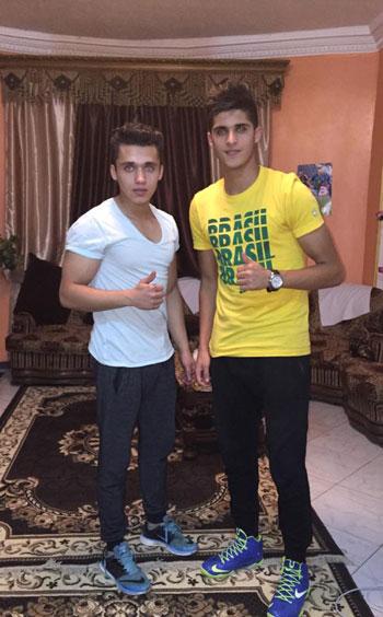 أحمد الشيخ مع شقيقه الصغير -اليوم السابع -7 -2015