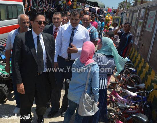 المحافظ يهنئ المواطنين بالعيد  -اليوم السابع -7 -2015