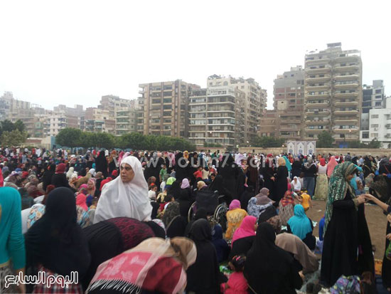 حضور مكثف للنساء فى صلاة العيد -اليوم السابع -7 -2015