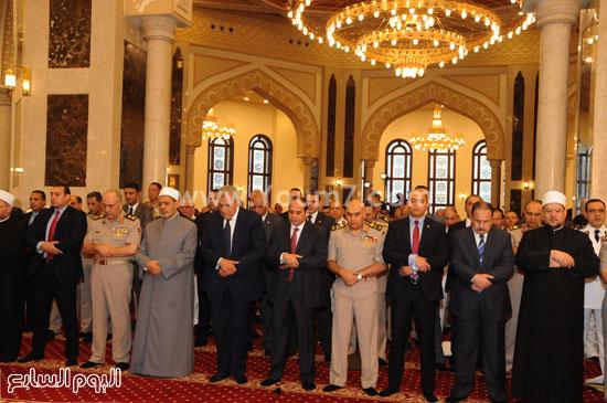 السيسى وقيادات الدولة خلال صلاة العيد -اليوم السابع -7 -2015