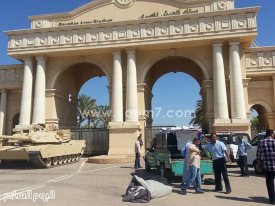 جانب من تأمين القوات المسلحة أمام إستاد برج العرب -اليوم السابع -7 -2015