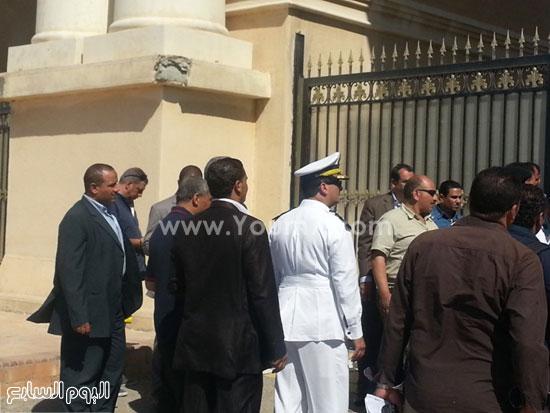 قوات الأمن أمام البوابة الرئيسية لإستاد برج العرب -اليوم السابع -7 -2015
