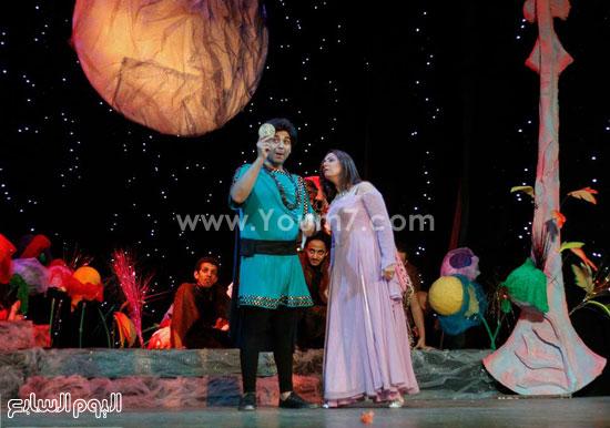 محمد الأحمدى فى جانب من العرض -اليوم السابع -7 -2015
