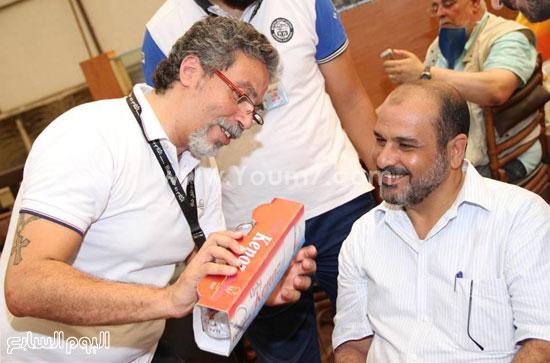 أمير تادرس يوزع الهدايا للآباء  -اليوم السابع -7 -2015