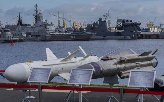 المعرض الدولي العسكري البحري في مدينة سان بطرسبورغ  72015312584793472015312234722509088
