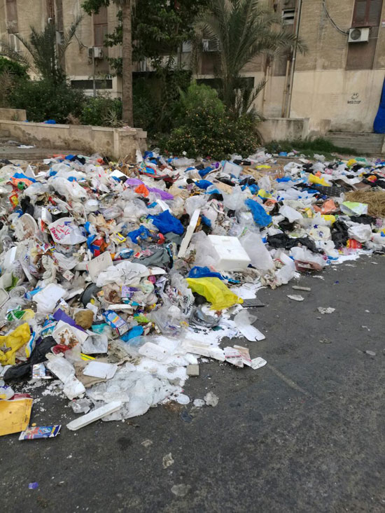 تفاقم-أزمة-تراكم-القمامة-بمنطقة-مصطفى-كامل-(2)