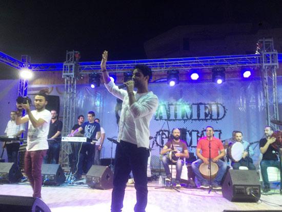 المطرب-أحمد-جمال-يشعل-حفل-النادى-الاجتماعى-بمطروح-(1)