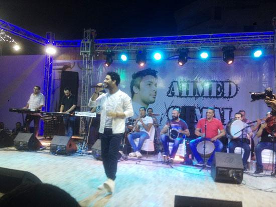 المطرب-أحمد-جمال-يشعل-حفل-النادى-الاجتماعى-بمطروح-(2)