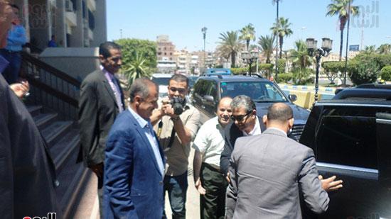 خالد فهمى وزير البيئة يصل الإسماعيلية  (1)