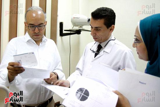 الدكتور طارق شعراوى أستاذ الرمد بجامعة جنيف (1)