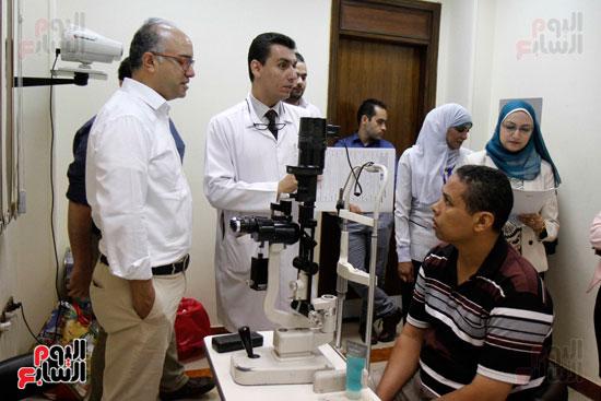 الدكتور طارق شعراوى أستاذ الرمد بجامعة جنيف (3)