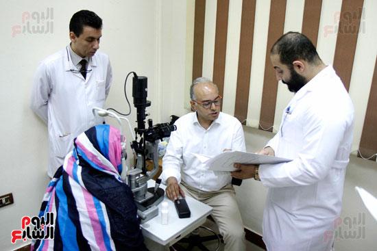 الدكتور طارق شعراوى أستاذ الرمد بجامعة جنيف (4)