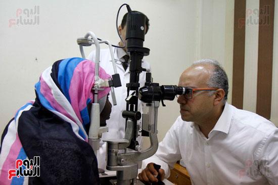 الدكتور طارق شعراوى أستاذ الرمد بجامعة جنيف (5)
