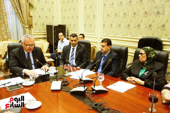 لجنة العلاقات الخارجية (1)