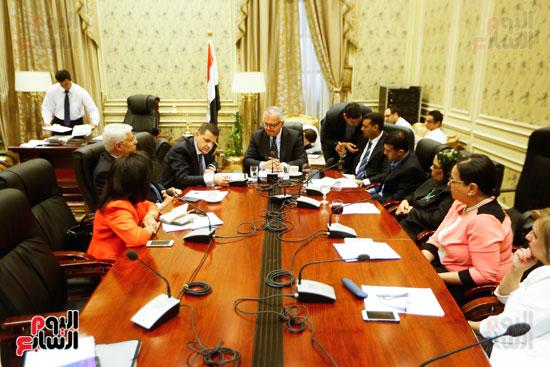 لجنة العلاقات الخارجية (4)
