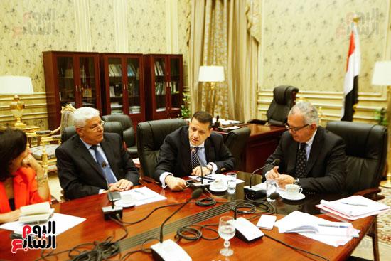 لجنة العلاقات الخارجية (6)