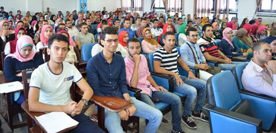 رئيس جامعة دمنهور الدكتور عبيد صالح  (1)