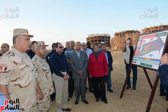 1السيسي يتفقد أعمال الإنشاءات بالمرحلة الثالثة لمشروع مدينة الأسمرات فجرًا (6)