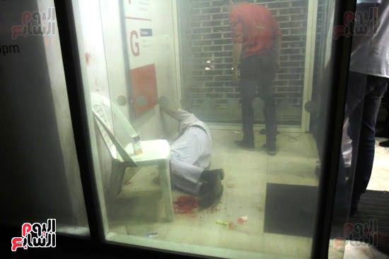 مجهولون يهاجمون حارس بنك HSBC ويستولون على سلاحه بالمهندسين (1)