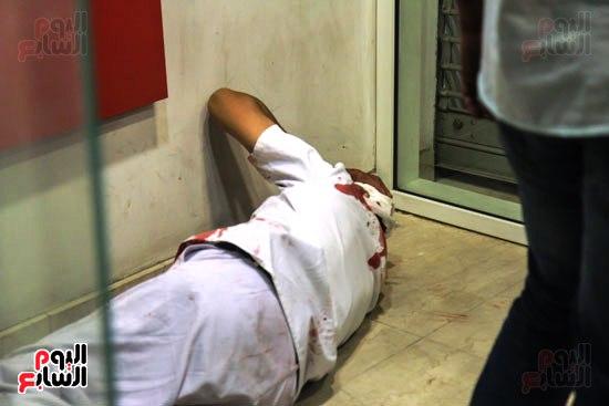 مجهولون يهاجمون حارس بنك HSBC ويستولون على سلاحه بالمهندسين (2)