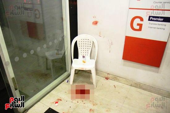 مجهولون يهاجمون حارس بنك HSBC ويستولون على سلاحه بالمهندسين (8)