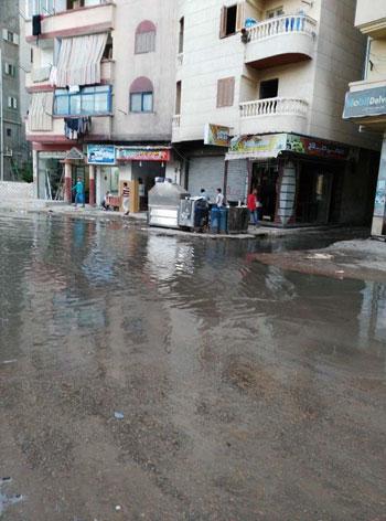 عودة مشاهد الصرف الصحى بمساكن الحرمين (1)