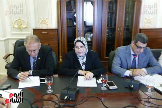 لجنة القوة العاملة (1)