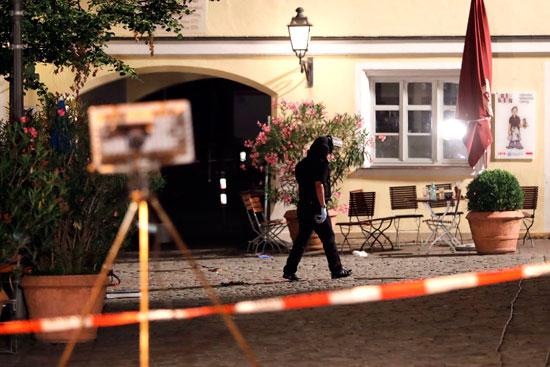تفجير-مطعم-بمدينة-انسباخ-الألمانية-(9)