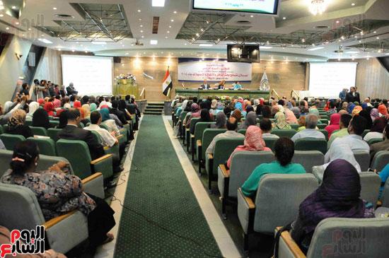 1مؤتمر لجهاز الاحصاء لاعلان معدلات الفقر  (1)