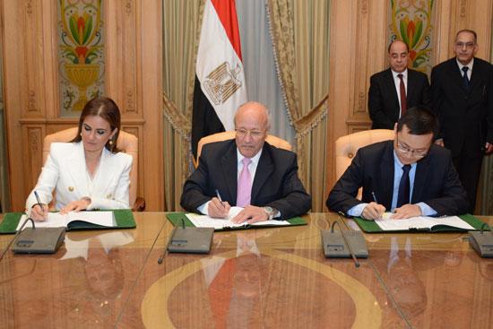 الدكتور محمد سعيد العصار وزير الدولة للإنتاج الحربى  (1)
