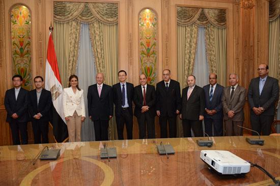 الدكتور محمد سعيد العصار وزير الدولة للإنتاج الحربى  (2)
