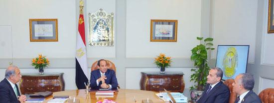 السيسى يجتمع برئيس الوزراء (2)