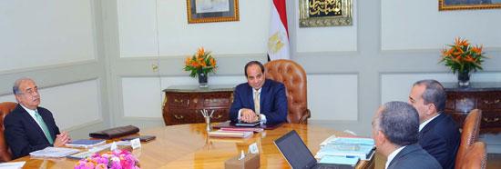 السيسى يجتمع برئيس الوزراء (3)
