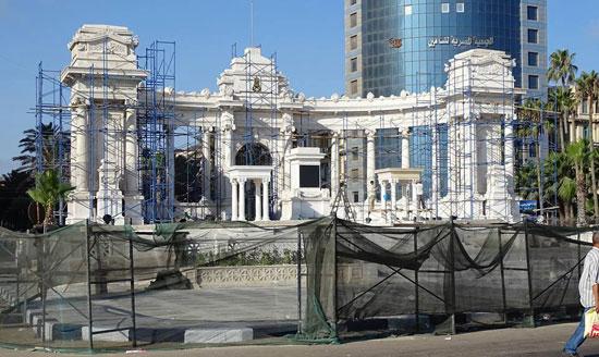 النصب التذكارى بالاسكندرية، ترميم النصب التذكارى بالاسكندرية،  الخديو اسماعيل باشا،  المعمارى الايطالى أنرستو فيروتشى بك (1)