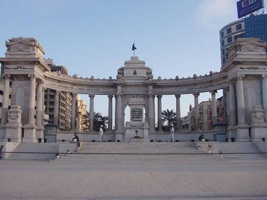 النصب التذكارى بالاسكندرية، ترميم النصب التذكارى بالاسكندرية،  الخديو اسماعيل باشا،  المعمارى الايطالى أنرستو فيروتشى بك (2)